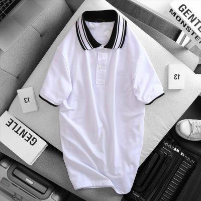 Áo thun nam cổ bẻ logo ở ngực trái phối viền ở cổ và tay áo trắng